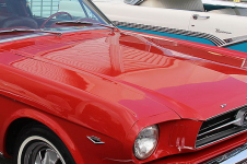 By Sicnag - 1965 Ford Mustang Fastback, CC BY 2.0, https://commons.wikimedia.org/w/index.php?curid=37166511